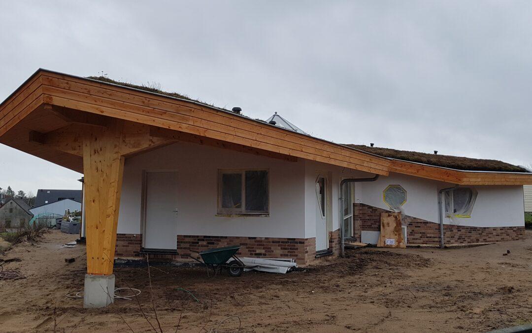 De laatste loodjes voor de door ORIO architecten ontworpen ecologische woning Cathaya in Renkum