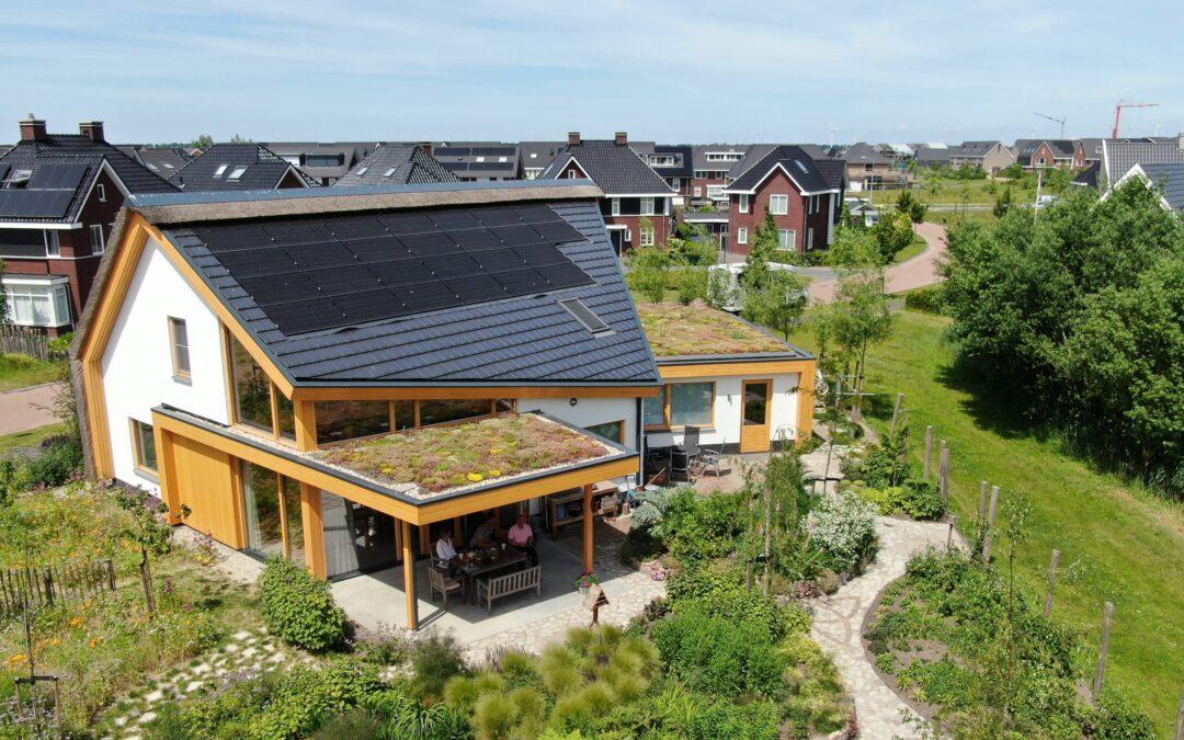 Ecologische villa 'Zonnegroet' in volle bloei